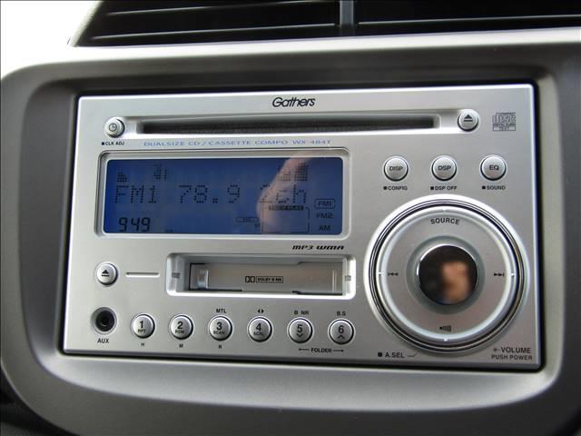 純正CDデッキ!オプションでカーナビなど取付も可能です!