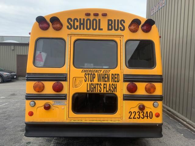 E450 USAスクールバス ディーゼルエンジン(4枚目)