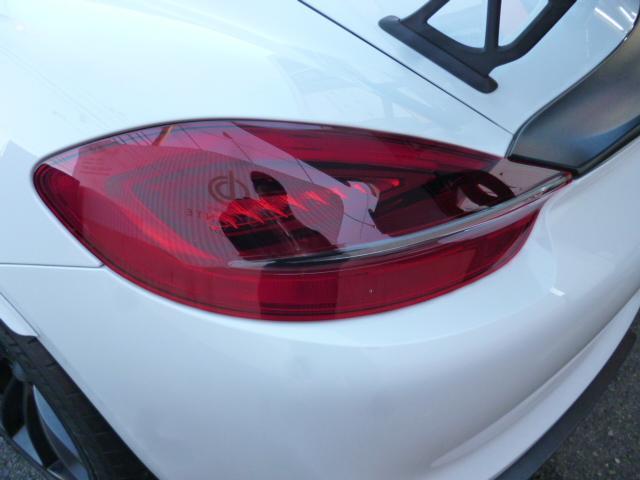 GT4 PCCB スポーツクロノ レザーインテリア 電動スポーツシート サテンブラックカラーホイール(21枚目)