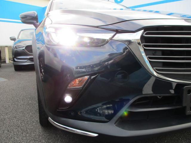 LEDヘッドランプとフォグランプで夜間も軽く走行可能。オートライトで自動で点灯してくれまう。