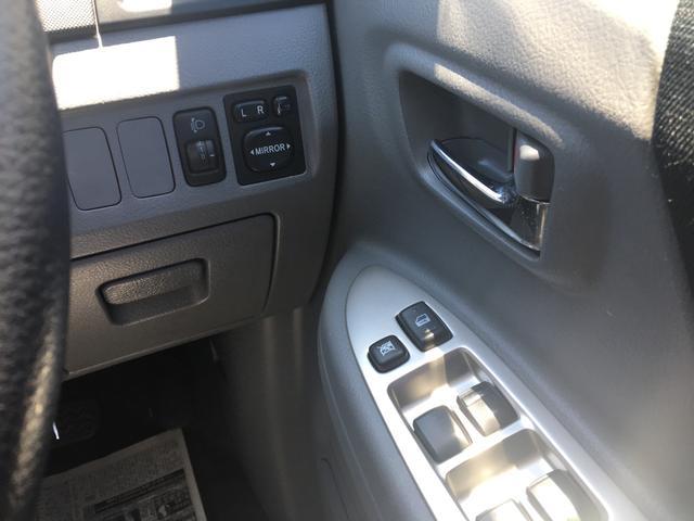 トヨタ ヴォクシー Z 両側電動スライドドア DVDナビ キーレス
