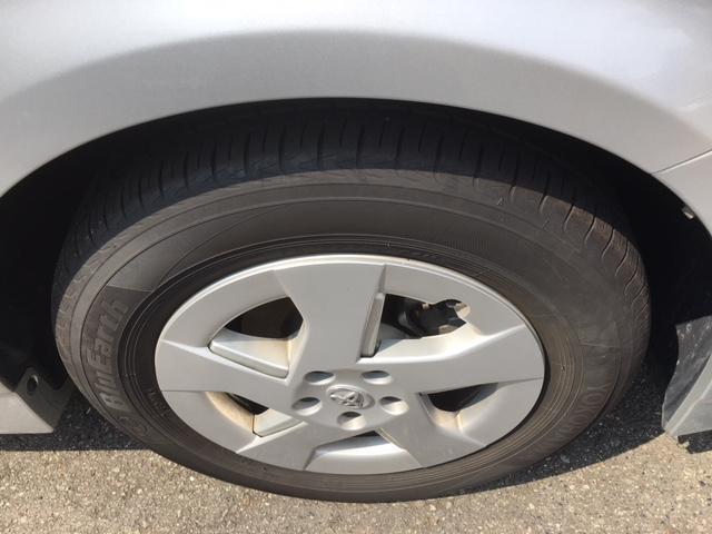 タイヤは4本ともまだまだ使用可能です。