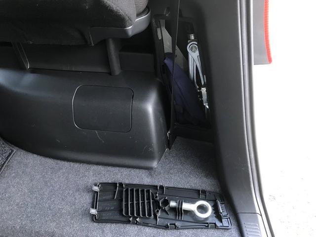 保証は、安心の12ヶ月、走行距離無制限付き車です。