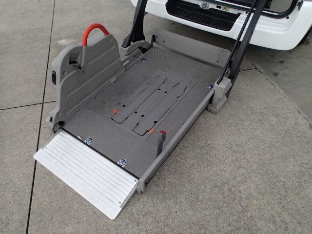 チェアキャブ福祉車両 M仕様リフト 10人2台 電動ステップ(3枚目)