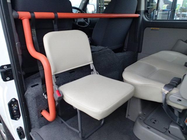 チェアキャブ福祉車両 M仕様リフト 10人2台 電動ステップ(12枚目)