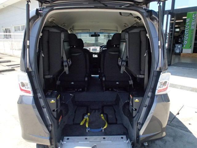 ホンダ フリード アルマス福祉車両 スロープ6人 電動ウィンチ固定 ナビ