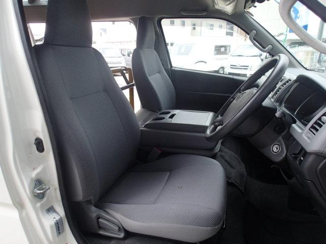 トヨタ ハイエースバン ウェルキャブ福祉車両 Bタイプリフト 10人2台 天窓
