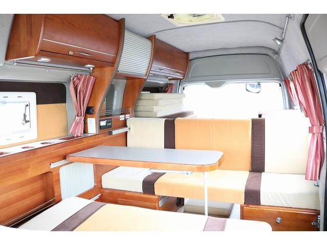 トヨタ レジアスエースバン ナッツRV リーク 4WD インバーター 出窓