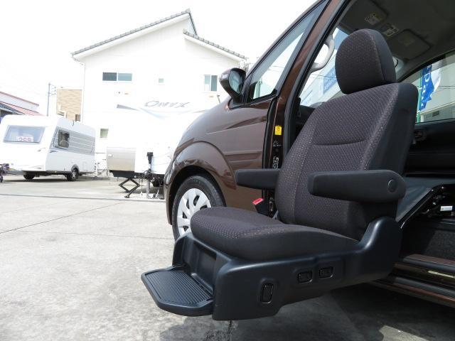 トヨタ ポルテ ウェルキャブ福祉車両 助手席リフト5人 スマキー ナビTV