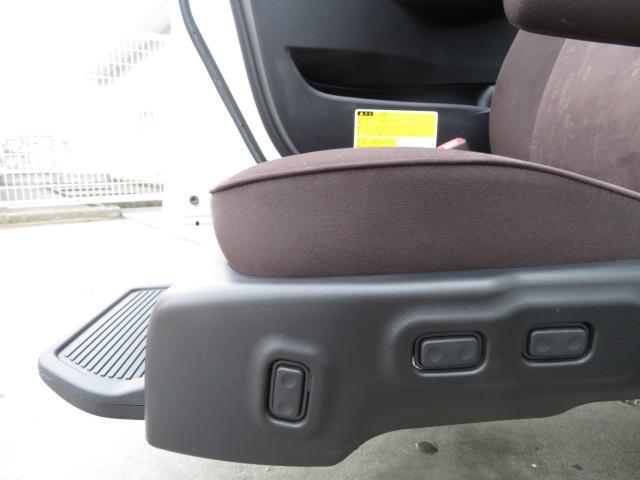 トヨタ マークXジオ 240Fウェルキャブ助手席リフトアップシートAスマートキー