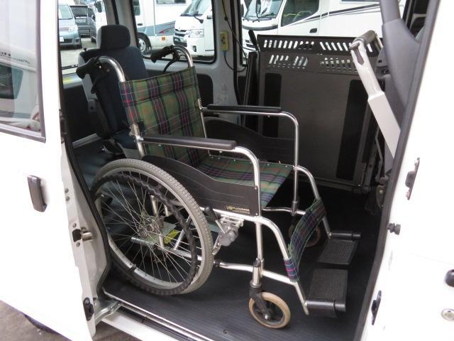 トランスケア 電動リフター 4人乗り 福祉車両(7枚目)