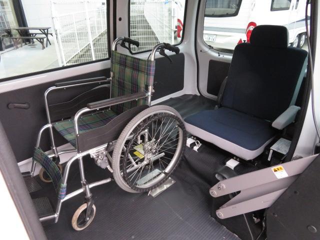 トランスケア 電動リフター 4人乗り 福祉車両(9枚目)