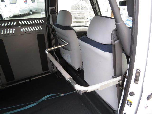 トランスケア 電動リフター 4人乗り 福祉車両(12枚目)