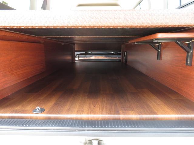 デルタリンク キャンピング 4WD 8ナンバーキャンピング ファスプシート シンク 給水排水タンク コンロ フルフラットベッド 就寝3名 SDナビ バックカメラ ETCユニット(9枚目)