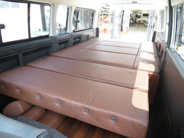 デルタリンク キャンピング 4WD 8ナンバーキャンピング ファスプシート シンク 給水排水タンク コンロ フルフラットベッド 就寝3名 SDナビ バックカメラ ETCユニット(12枚目)