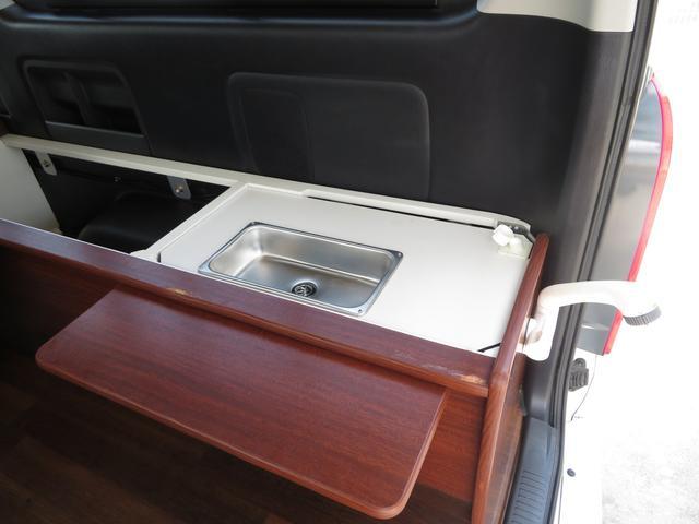 デルタリンク キャンピング 4WD 8ナンバーキャンピング ファスプシート シンク 給水排水タンク コンロ フルフラットベッド 就寝3名 SDナビ バックカメラ ETCユニット(13枚目)