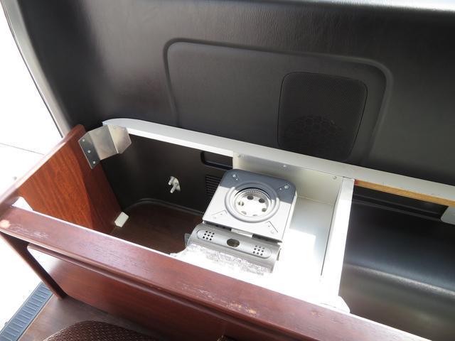 デルタリンク キャンピング 4WD 8ナンバーキャンピング ファスプシート シンク 給水排水タンク コンロ フルフラットベッド 就寝3名 SDナビ バックカメラ ETCユニット(16枚目)