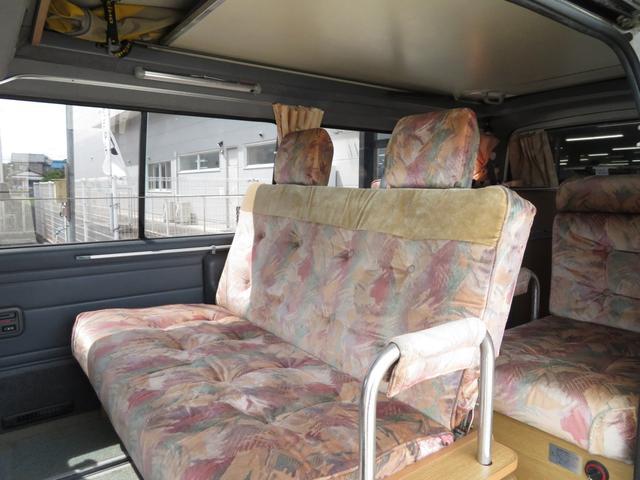 セカンドシートは前向き後ろ向きと替えられるシートです。