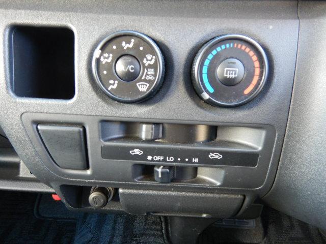 スーパーロングウェルキャブDタイプ車いす4台電動固定装置(15枚目)