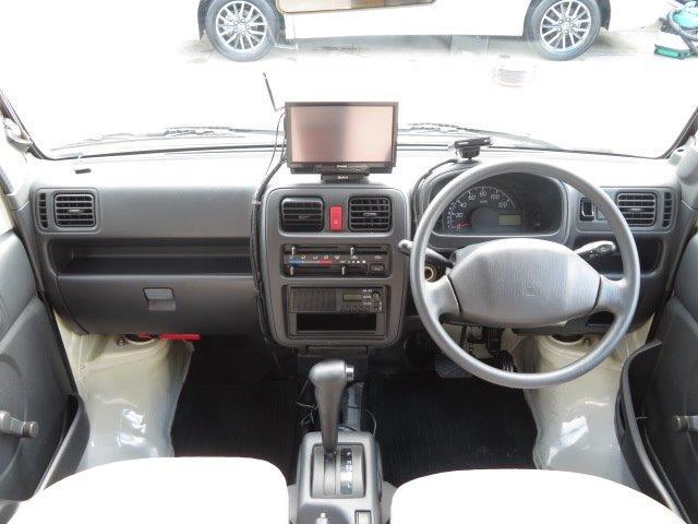AZ-MAX ラクーン 4WD 8ナンバーキャブコン キャンピング シングルサブバッテリー 走行充電 マックスファン シンク 給水排水タンク コンロ 就寝2名(17枚目)