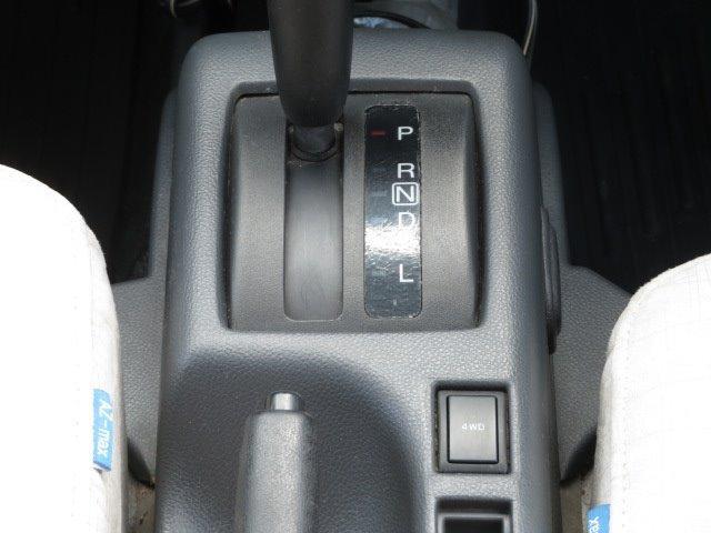 AZ-MAX ラクーン 4WD 8ナンバーキャブコン キャンピング シングルサブバッテリー 走行充電 マックスファン シンク 給水排水タンク コンロ 就寝2名(18枚目)