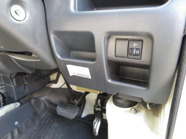 AZ-MAX ラクーン 4WD 8ナンバーキャブコン キャンピング シングルサブバッテリー 走行充電 マックスファン シンク 給水排水タンク コンロ 就寝2名(24枚目)