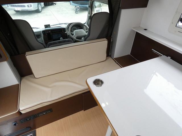ミスティック アンセイエ 8ナンバーキャンピングカー 家庭用エアコン トリプルサブバッテリー インバーター1500W 燃料式FFヒーター サイドオーニング 社外ショック&ライドライトエアサス(12枚目)