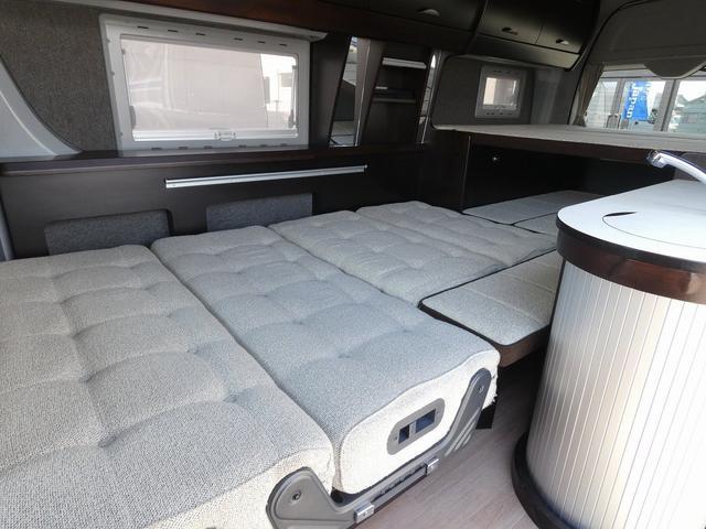 トイファクトリー製バーデン 8ナンバーキャンピングカー サブバッテリー 走行充電 外部充電 インバーター シンク 冷蔵庫 常設ベッド オプション延長ベッド 出窓仕様 断熱(19枚目)