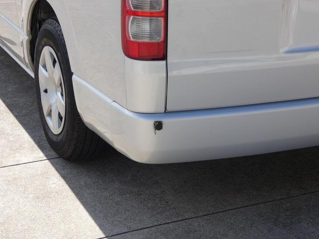 トイファクトリー製バーデン 8ナンバーキャンピングカー サブバッテリー 走行充電 外部充電 インバーター シンク 冷蔵庫 常設ベッド オプション延長ベッド 出窓仕様 断熱(41枚目)