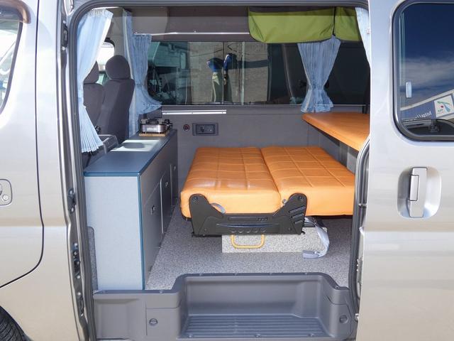 ピーズクラフト クラフトキャンパー 8ナンバーキャンピングカー サブバッテリー 走行充電 シンク FFヒーター リアクーラーヒーター 常設ベッド トランスポーター ファスプシート ナビ バックカメラ ETC ABS(2枚目)