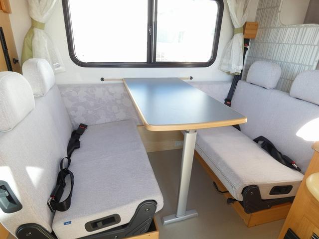 AtoZ アミティ 8ナンバーキャンピングカー サブバッテリー 走行充電 外部電源 リアTV シンク 冷蔵庫 常設2段ベッド マックスファン バックモニター 走行用リアクーラー(3枚目)
