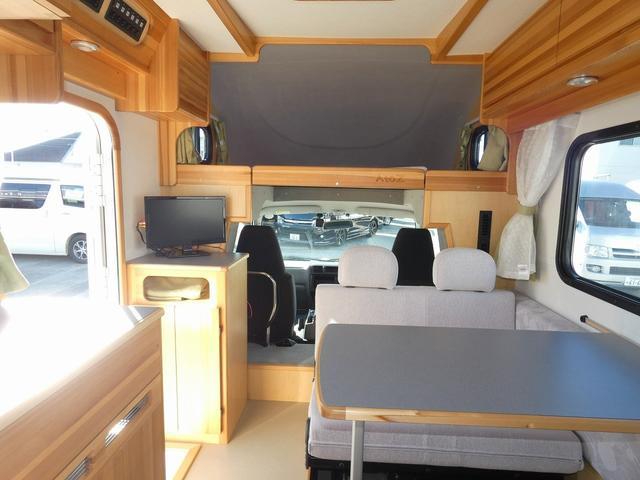 AtoZ アミティ 8ナンバーキャンピングカー サブバッテリー 走行充電 外部電源 リアTV シンク 冷蔵庫 常設2段ベッド マックスファン バックモニター 走行用リアクーラー(6枚目)