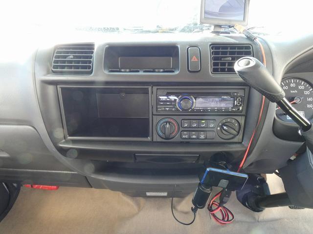 AtoZ アミティ 8ナンバーキャンピングカー サブバッテリー 走行充電 外部電源 リアTV シンク 冷蔵庫 常設2段ベッド マックスファン バックモニター 走行用リアクーラー(29枚目)