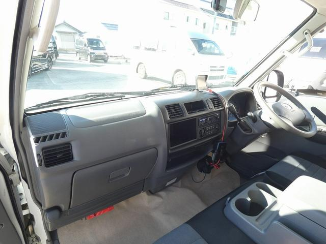 AtoZ アミティ 8ナンバーキャンピングカー サブバッテリー 走行充電 外部電源 リアTV シンク 冷蔵庫 常設2段ベッド マックスファン バックモニター 走行用リアクーラー(31枚目)