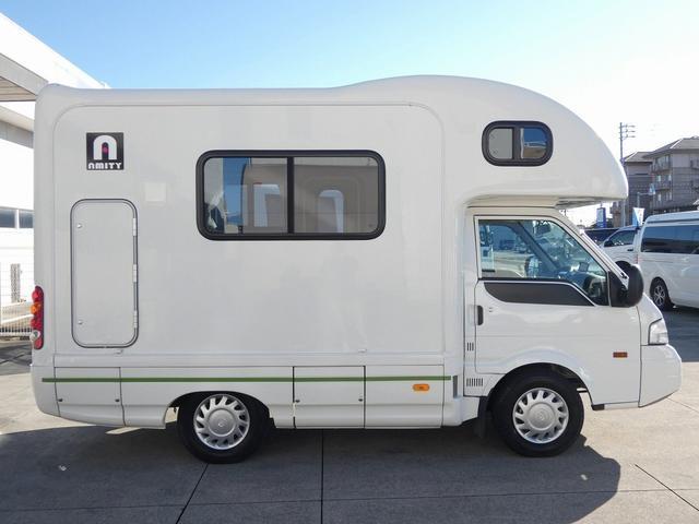 AtoZ アミティ 8ナンバーキャンピングカー サブバッテリー 走行充電 外部電源 リアTV シンク 冷蔵庫 常設2段ベッド マックスファン バックモニター 走行用リアクーラー(36枚目)