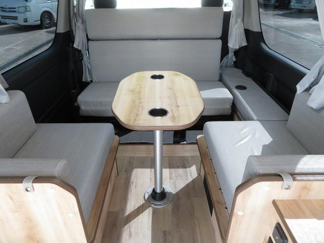 リノ匠 FOCS DS-Fスタイル 8ナンバーキャンピングカー リノベーション 新規架装 7名乗車 ファスプシート サブバッテリー 走行充電 外部充電 LED照明 冷蔵庫 床下収納(4枚目)