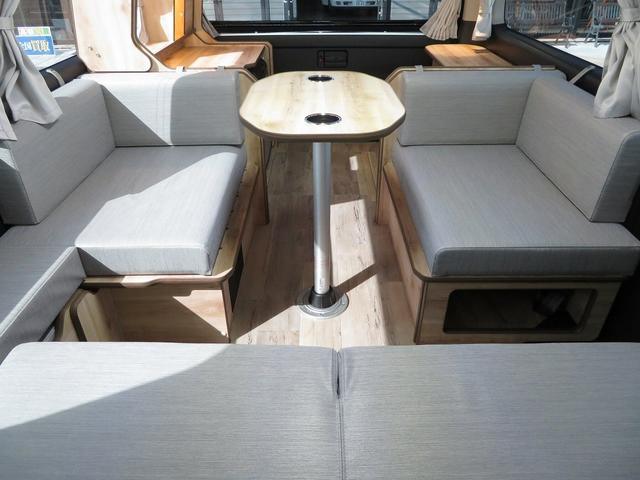 リノ匠 FOCS DS-Fスタイル 8ナンバーキャンピングカー リノベーション 新規架装 7名乗車 ファスプシート サブバッテリー 走行充電 外部充電 LED照明 冷蔵庫 床下収納(5枚目)