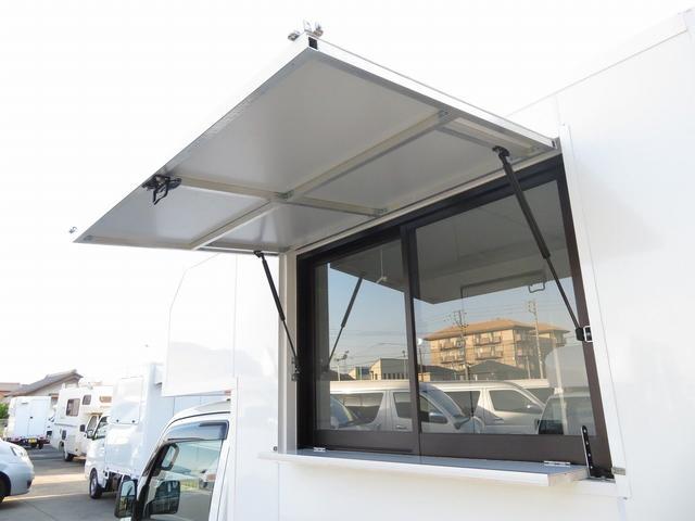 KCエアコン・パワステ 移動販売車 キッチンカー 4WD スズキセーフティサポートデュアルカメラ バックカメラ 正弦波インバーター サブバッテリー 外部充電 ステンレスシンク 給水排水タンク サッシ LEDライト 4ナンバー(2枚目)