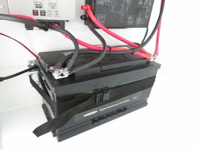 KCエアコン・パワステ 移動販売車 キッチンカー 4WD スズキセーフティサポートデュアルカメラ バックカメラ 正弦波インバーター サブバッテリー 外部充電 ステンレスシンク 給水排水タンク サッシ LEDライト 4ナンバー(12枚目)
