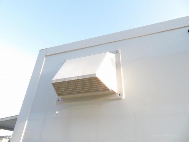 KCエアコン・パワステ 移動販売車 キッチンカー 4WD スズキセーフティサポートデュアルカメラ バックカメラ 正弦波インバーター サブバッテリー 外部充電 ステンレスシンク 給水排水タンク サッシ LEDライト 4ナンバー(28枚目)