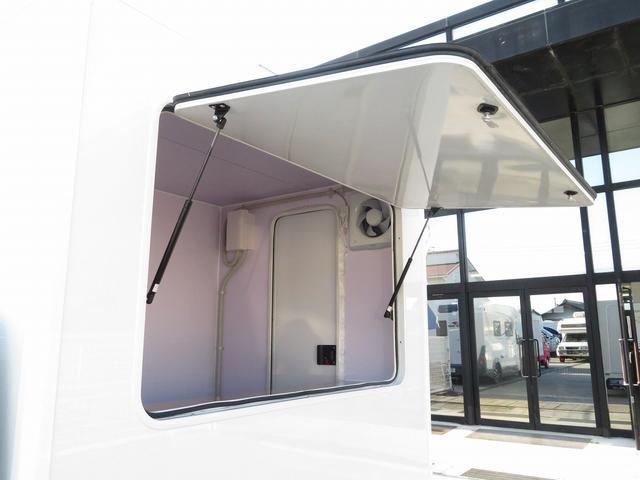 DX 移動販売車両 キッチンカー シンク 給水排水タンク 換気扇 100V外部電源 ステンレス製カウンター LED室内照明 Wエアバック ABS パワステ 4ナンバー登録(4枚目)