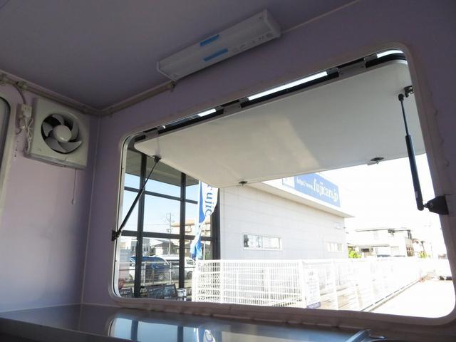 DX 移動販売車両 キッチンカー シンク 給水排水タンク 換気扇 100V外部電源 ステンレス製カウンター LED室内照明 Wエアバック ABS パワステ 4ナンバー登録(13枚目)