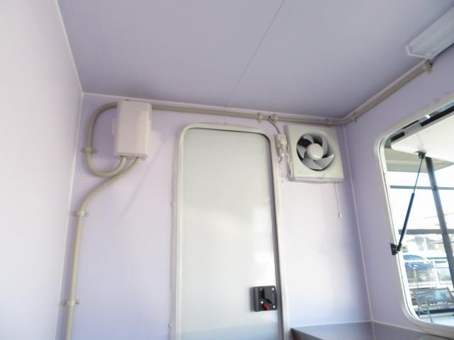 DX 移動販売車両 キッチンカー シンク 給水排水タンク 換気扇 100V外部電源 ステンレス製カウンター LED室内照明 Wエアバック ABS パワステ 4ナンバー登録(16枚目)