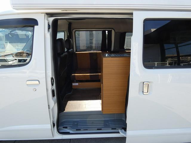 ステージ21 リゾートデュオユーロ キャンピングカー 4WD サブバッテリー ルーフベント サイドオーニング ローダウンサス インバーター1500W ポータブル冷蔵庫 べバストFFヒーター シンク 給排水タンク(2枚目)