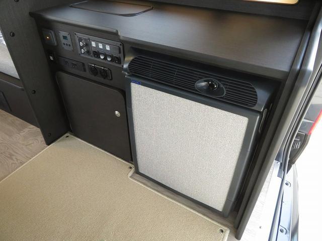 8ナンバーキャンピングカー 宮大工工法 高断熱 サブバッテリー 走行充電 外部充電 シンク 冷蔵庫 ファスプシート(15枚目)