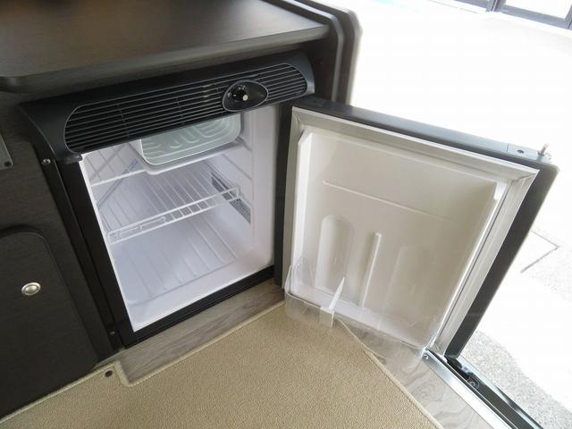 8ナンバーキャンピングカー 宮大工工法 高断熱 サブバッテリー 走行充電 外部充電 シンク 冷蔵庫 ファスプシート(16枚目)