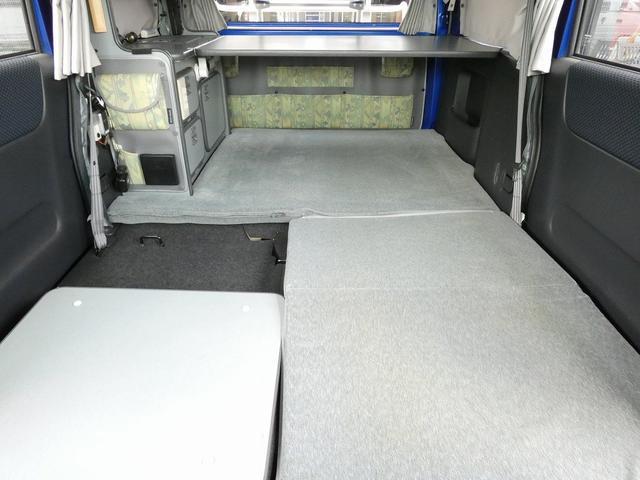 ホワイトハウス製マイボックス 5ナンバーキャンピング仕様 ターボ 4WD サブバッテリー 走行充電 外部充電 ソーラーパネル シンク 収納棚 ベッドマット テーブル(5枚目)