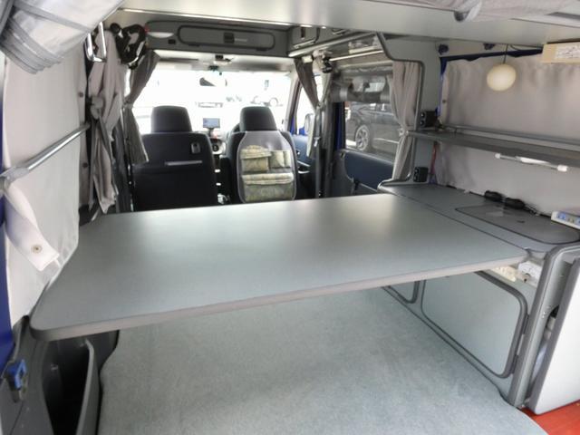 ホワイトハウス製マイボックス 5ナンバーキャンピング仕様 ターボ 4WD サブバッテリー 走行充電 外部充電 ソーラーパネル シンク 収納棚 ベッドマット テーブル(7枚目)