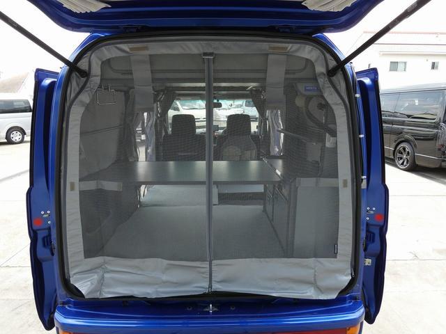 ホワイトハウス製マイボックス 5ナンバーキャンピング仕様 ターボ 4WD サブバッテリー 走行充電 外部充電 ソーラーパネル シンク 収納棚 ベッドマット テーブル(25枚目)