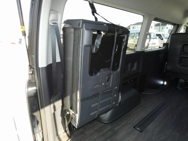フレックス製 アレンジCT 3ナンバー車中泊仕様 10名乗車 社外ハンドル 社外テールライト ローダウン LEDヘッドライト スマートキー フルフラットサイズ長さ2600mm幅1400mm(15枚目)